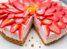 Gluten Free Strawberry and vanilla cheesecake4