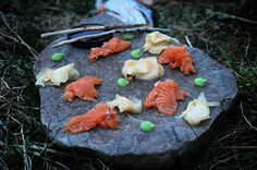 And here the story of the sea trout ended! a delicious sashimi on the beach only a few hours after it was caught. #freshfood #food #fish #fishing #fisketur #sashimi #samsø #photooftheday #seatrout #outdoors #outdoorlife #organic #wasabi #ginger #eatsleepfish #canon7d #cleaneating #denmark #utpåturaldrisur #udpåturaldrigsur #rawfood #saltwaterfishing #cooking #friends #passion #sickforit #angeln #alwayshunting #sushi by nordicaoutdoors