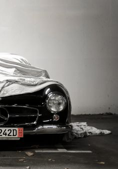 Mercedes-Benz 300 SL (Gullwing).
