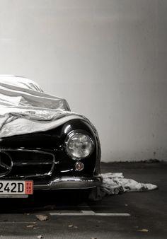 Mercedes-Benz 300 SL (Gullwing).