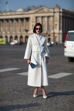 This ensemble is white perfected.   - HarpersBAZAAR.com