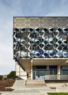 Gallery - john curtin college of the arts / jcy - 14 fachada ventilada, rev Kinetic Architecture, Education Architecture, Facade Architecture, Contemporary Architecture, Origami Architecture, Facade Design, Exterior Design, John Curtin, Facade Pattern