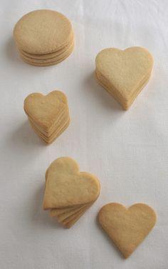 Recuerdo que hace 4/5 años empezó el boom de las galletas decoradas. Las veíamos en los blogs es...