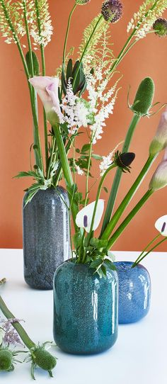 Add a soft lustre to your living space with the Sabbia Medium Vase.