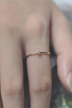 Gold Rings Jewelry, Hand Jewelry, Womens Jewelry Rings, Jewelry Bracelets, Women Jewelry, Gold Knot Ring, Diamond Jewelry, Cute Promise Rings, Cute Rings