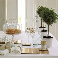 christmas table decorations and green table centerpieces