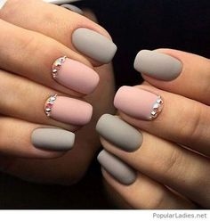 2017 White and Pink Nails | Matte grey and pink gel nails with details