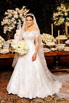 Seek fashion & cheap bridal/wedding gowns from thousands of quality wedding dresses online. Various affordable wedding dresses/gowns with big discounts are sale at Tidebuy online store. Rental Wedding Dresses, Wedding Dress Train, Affordable Wedding Dresses, Applique Wedding Dress, Wedding Dress Sleeves, Long Sleeve Wedding, Bridal Dresses, Bridesmaid Dresses, Lace Wedding