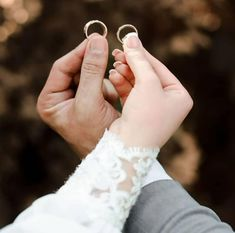 Wedding Rings, Engagement Rings, Fashion, Enagement Rings, Moda, Fashion Styles, Diamond Engagement Rings, Fashion Illustrations, Wedding Ring