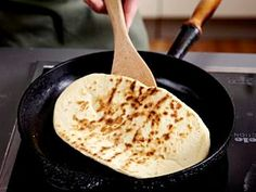 Naan-Brot Rezept Naan Flatbread, Grilling, Bakery, Food And Drink, Low Carb, Healthy Recipes, Eat, Cooking, Ethnic Recipes