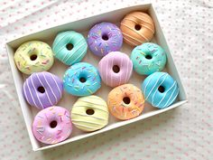 Set of 12 Pastel Polymer Clay Doughnut Sewing Pattern Weights Cute Polymer Clay, Cute Clay, Polymer Clay Crafts, Donut Pictures, Donut Images, Miniature Crafts, Miniature Food, Cute Donuts, Donuts Donuts