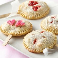 Pie pops instead of cake pops…. yummy!