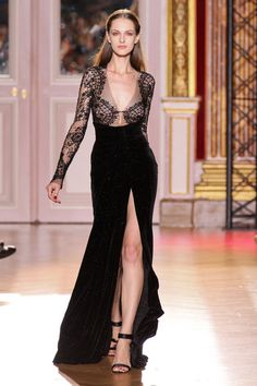 Zuhair Murad Fall 2012 Couture amazing style… reminds me of Channel Love Fashion, Runway Fashion, High Fashion, Paris Fashion, Fashion Design, Men Fashion, Korean Fashion, Winter Fashion, Fashion Tips
