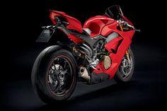 2018 Ducati Panigale V4 | HiConsumption