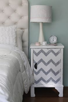 Gray Bedroom Walls, Bedroom Bed, Home Decor Bedroom, Girls Bedroom, Bedroom Colour Palette, Bedroom Colors, Small Room Organization, Rustic Basement, New Bedroom Design