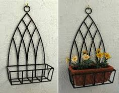 Immagine correlata Wrought Iron Decor, Wrought Iron Gates, Metal Projects, Metal Crafts, House Front Gate, Barbed Wire Art, House Plants Decor, Garden Deco, Steel Art