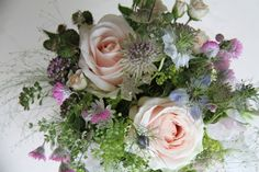 Wild flowers give a vintage look