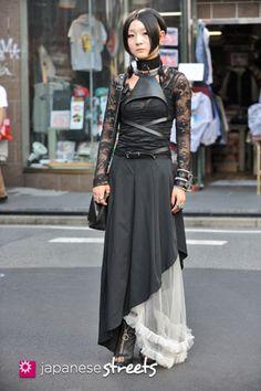 120929-0400: Japanese street fashion in Harajuku, Tokyo.