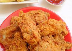 Skrzydełka KFC - DoradcaSmaku.pl Kfc, Chicken, Meat, Food, Hair, Food And Drinks, Tutorials, Essen, Meals