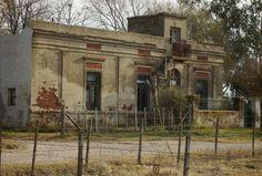 Casa antigua en seccion quintas - Lamadrid , bs. as