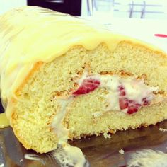 Rocambole de morangooo *o* #strawberry #cake #yum #candy