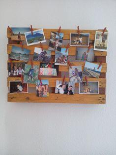 Biblioth que diy caisse de vin en bois papier peint - Guirlande porte photo avec pinces linge ...