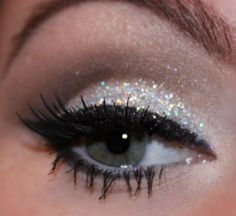 9 Ways To Up Your New Year's Eve Makeup Game - My Teen Guide 9 Ways To Up Your New Years Eve Makeup Game MoreOne of the best Christmas makeup looks - gold glitter eyeshadow, sexy eyeliner plus dark wine lipstick. Pretty Makeup, Love Makeup, Beauty Makeup, Makeup Shop, Makeup For Silver Dress, Silver Makeup, Perfect Makeup, Gorgeous Makeup, Hair Beauty