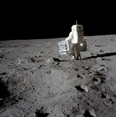 Nasa Edwin 'Buzz' Aldrin carries experiments for deployment on the lunar surface. July (Source: NASA) - Edwin 'Buzz' Aldrin carries experiments for deployment on the lunar surface. Apollo Space Program, Nasa Space Program, Project Mercury, Moon Surface, Apollo Missions, Buzz Aldrin, Nasa Astronauts, High Tech Gadgets, Space Race