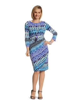 5 Summer Dresses That Make You Look Slimmer  I love this it looks comfortable too.  And not requiring ironing