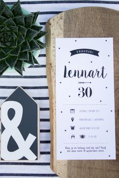Zwart wit uitnodiging verjaardag Lennart - Black & White feestje. Ontwerp door Leesign - www.leesign.nl #uitnodiging #verjaardag #feestje #invitation #black #white #theme #zwart #wit #thema