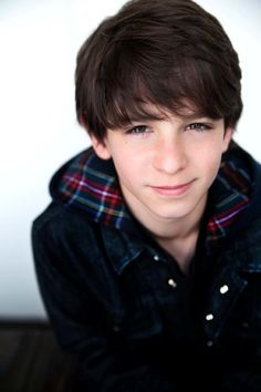 Zachary Gordon the kid from Diary Of a Wimpy Kid. HELLO you're adorable Zachary Gordon, Wimpy Kid, Wattpad, Boy Character, Young Actors, Handsome Actors, Celebs, Celebrities, Hot Boys