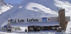 LAS LEÑAS - BAJO CERO  En la provincia de Mendoza, a mil doscientos kilómetros de Buenos Aires, se encuentra el centro de esquí más relevante a nivel nacional.
