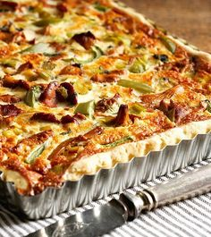 Poro-kantarellipiiras - Kotiliesi.fi Hawaiian Pizza, Food, Essen, Meals, Yemek, Eten
