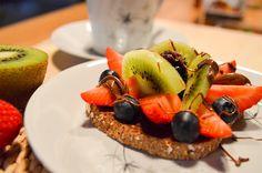 Nutella-leipä on superherkullinen. Tarjoile vieraille vaikka kahvileipänä.