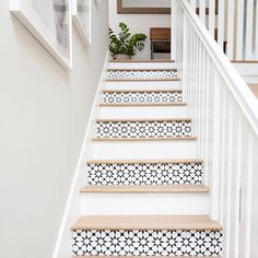 10 idées déco pour customiser les marches de son escalier 10 decorative ideas to customize the steps of your staircase The post 10 decorative ideas to customize the steps of your staircase appeared first on Home. White Stair Risers, Painted Stair Risers, Stenciled Stairs, Tile Stairs, Paint Stairs, Basement Stairs, Tiled Staircase, White Staircase, Painted Staircases