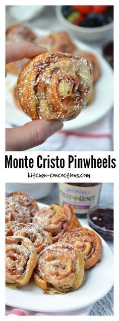 Monte Cristo Pinwheels - Inspired by a popular sandwich, these baked Monte Cristo Pinwheels, are sweet and savory and will definitely be your go to appetizer recipe all holiday season long! {ad} #EasyHolidayEats