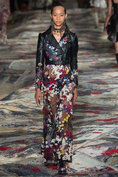 Alexander McQueen Spring/Summer 2017 Ready-To-Wear Collection