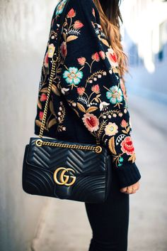 Colorful embroidered sweater with a black gucci crossbody Look Fashion, Womens Fashion, Fashion Trends, Cheap Fashion, Gucci Fashion, Fashion Ideas, Ladies Fashion, Zara Fashion, Feminine Fashion