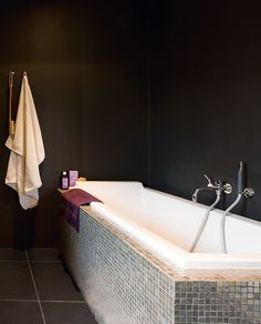 --- matte-black walls!! --- like the lighting --- bath too light-coloured --- envisage with timber and black ofuro arrangement