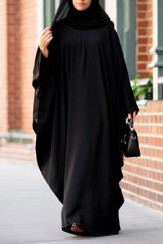 Burka Fashion, Muslim Fashion, Fashion Outfits, Islamic Fashion, Mode Abaya, Mode Hijab, Hijab Style Tutorial, Black Abaya, Arab Girls Hijab