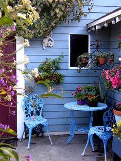 Outdoor patio decorating ideas blue Ideas for 2019 Outdoor Rooms, Outdoor Gardens, Outdoor Living, Outdoor Decor, Outdoor Balcony, Dream Garden, Home And Garden, Blue Garden, Garden Beds