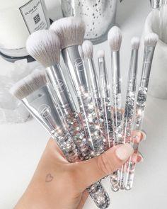Makeup Items, Cute Makeup, Makeup Brush Set, Makeup Tools, Make Up Brush, Silver Makeup, Magical Makeup, Unicorn Makeup, Aesthetic Makeup
