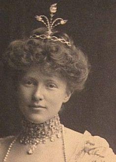 Ellen Vanderbilt, wearing a diamond aigrette, sans feather, circa 1901.