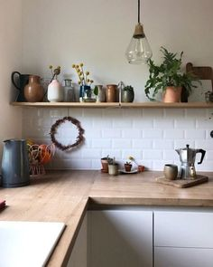 Time for coffee Kitchen Decoration cafe kitchen decor Kitchen Shelves, Kitchen Cabinets, Wall Shelves, Kitchen Interior, Kitchen Decor, Decorating Kitchen, Kitchen Ideas, Küchen Design, Interior Design