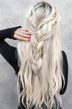 Chic Hair Styles for Long Hair picture1