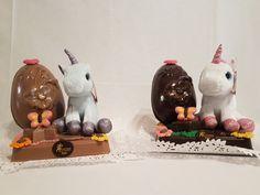Bollos de Pascua con peluche Pony. Figuras de chocolate en Gijón Buns, Easter, Plushies