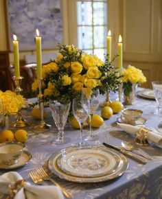 Simple Elegant Table Setting ♥ #yellow #flowers #lemons #classy #candles ♥