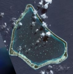 Satellite Image of Manihiki, Cook Islands. Cook Islands, Islas Cook, Nasa Pictures, Tropical Paradise, South Pacific, Beautiful Places, Cooking, Artwork, Image