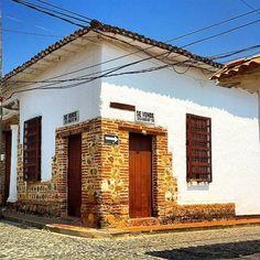 Vintage Industrial, Beautiful Places, Tours, Deco, Architecture, Photography, Travel, Places To Travel, Arquitetura