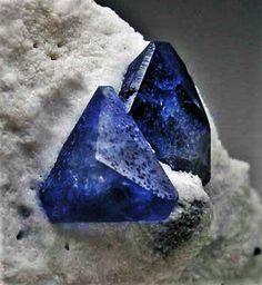 Professional Sale Gemstone Mining Kit To Go Dirt Gem Rough Crystals Ruby Sapphire Tourmaline Etc Rocks, Fossils & Minerals Moderate Price
